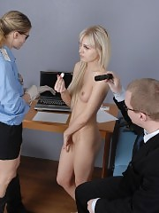 Bad blonde caught by two customs agents