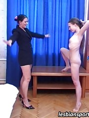 Shy gymnast coached and licked off by a lesbian