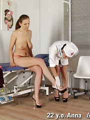 Saggy-titted patient obeys a lesbian gynecologist