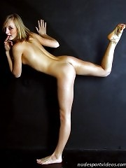 Naked sporty candy posing for an artist
