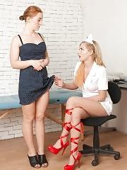 Hetero pussy goes lesbian at the gyno examination
