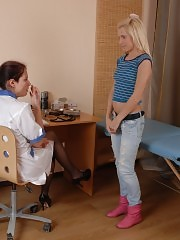 Embarrassed patient of a lesbian pussy doctor