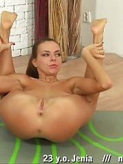 Extremely erotic yoga asanas by a tanned gymnast