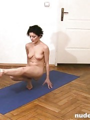 Naked Indian gymnastics by a flexy amateur