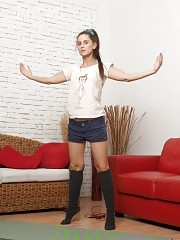 Flexible babe stretches and strips to the knee socks