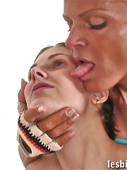 Mature sport witch entrances her young trainee